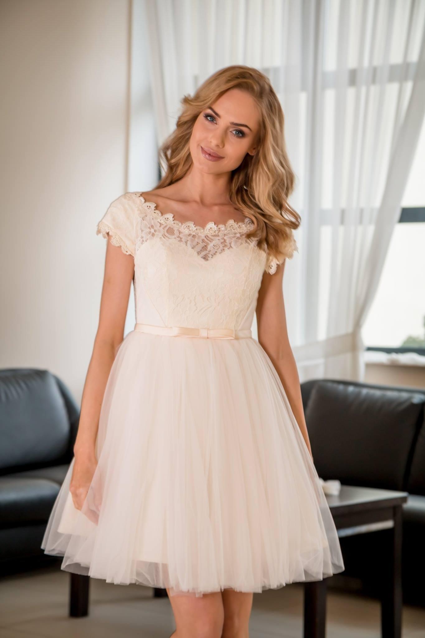 8da682385b6d Spoločenské šaty krátke Patrycja