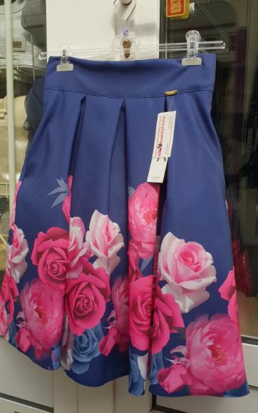 e529d445b3f4 Dámske spoločenské sukne krátka AA kvety